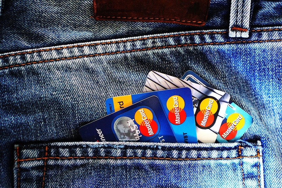How to Choose the Best Credit Card for Your Financial Needs?